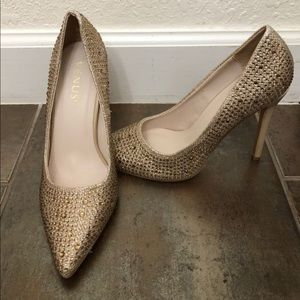 Venus Brand New Women's Rhinestone Pumps Size 6
